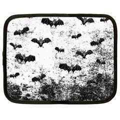 Vintage Halloween Bat Pattern Netbook Case (xxl)  by Valentinaart