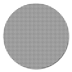 Classic Vintage Black And White Houndstooth Pattern Magnet 5  (round) by Beachlux