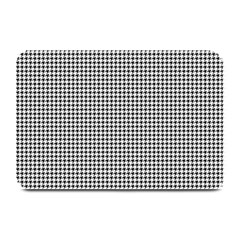 Classic Vintage Black And White Houndstooth Pattern Plate Mat by Beachlux