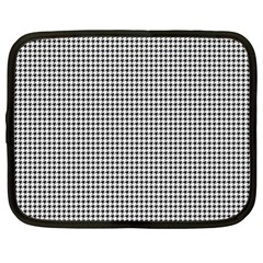 Classic Vintage Black And White Houndstooth Pattern Netbook Case (xl) by Beachlux
