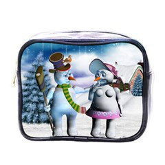 Funny, Cute Snowman And Snow Women In A Winter Landscape Mini Toiletries Bags by FantasyWorld7