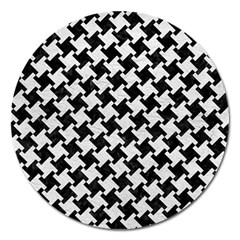 Houndstooth2 Black Marble & White Leather Magnet 5  (round) by trendistuff