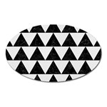 TRIANGLE2 BLACK MARBLE & WHITE LINEN Oval Magnet