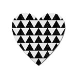 TRIANGLE2 BLACK MARBLE & WHITE LINEN Heart Magnet