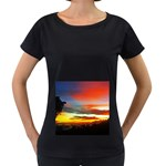 Sunset Mountain Indonesia Adventure Women s Loose-Fit T-Shirt (Black)