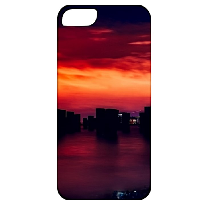 New York City Urban Skyline Harbor Apple iPhone 5 Classic Hardshell Case