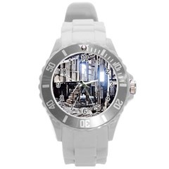 House Old Shed Decay Manufacture Round Plastic Sport Watch (l)