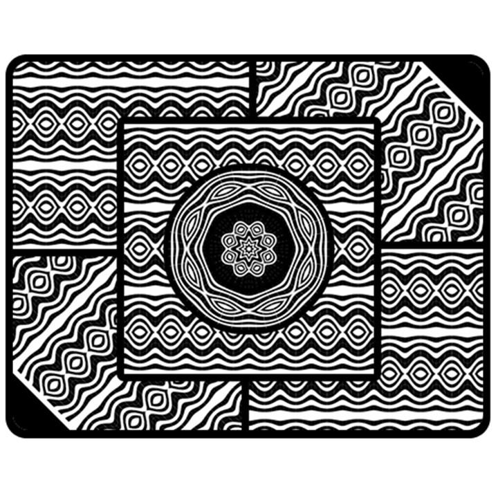 Wavy Panels Fleece Blanket (Medium)