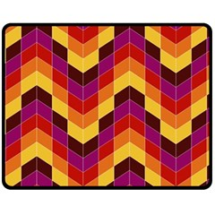 Geometric Pattern Triangle Fleece Blanket (medium)