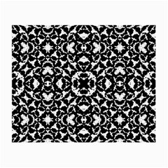 Black And White Geometric Pattern Small Glasses Cloth