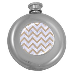 CHEVRON9 WHITE MARBLE & SAND (R) Round Hip Flask (5 oz)