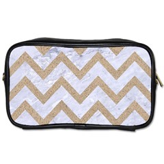 CHEVRON9 WHITE MARBLE & SAND (R) Toiletries Bags