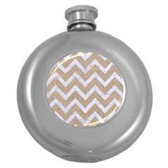 CHEVRON9 WHITE MARBLE & SAND Round Hip Flask (5 oz)