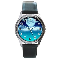 Dreamy Night Round Metal Watch by augustinet