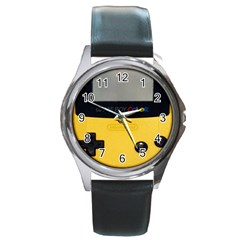 Game Boy Color Yellow Round Metal Watch