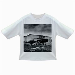 Omaha Airfield Airplain Hangar Infant/toddler T Shirts