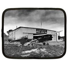 Omaha Airfield Airplain Hangar Netbook Case (large)