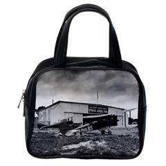 Omaha Airfield Airplain Hangar Classic Handbags (one Side)