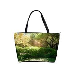Highland Park 19 Shoulder Handbags