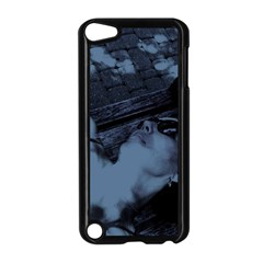 §¯§? §3§ü§?§t§?§?§ü§?   On A Bench Apple Ipod Touch 5 Case (black)
