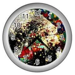 Wet Kiss 2 Wall Clocks (silver)