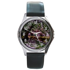 Old Tree 6 Round Metal Watch