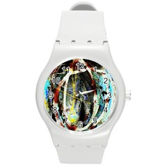 Egg In The Duck Round Plastic Sport Watch (m)