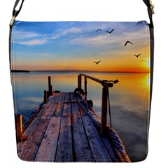 Sunset Lake Beautiful Nature Flap Messenger Bag (s)