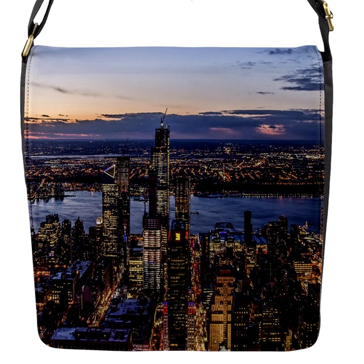 Panoramic City Water Travel Flap Messenger Bag (S)