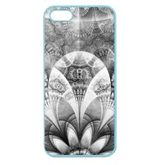 Black And White Fanned Feathers In Halftone Dots Apple Seamless Iphone 5 Case (color)