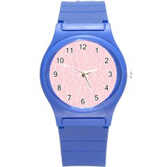Elios Shirt Faces In White Outlines On Pale Pink Cmbyn Round Plastic Sport Watch (s) by PodArtist