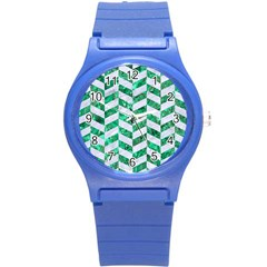 Chevron1 White Marble & Green Marble Round Plastic Sport Watch (s)