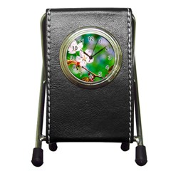 Sakura Flowers On Green Pen Holder Desk Clock