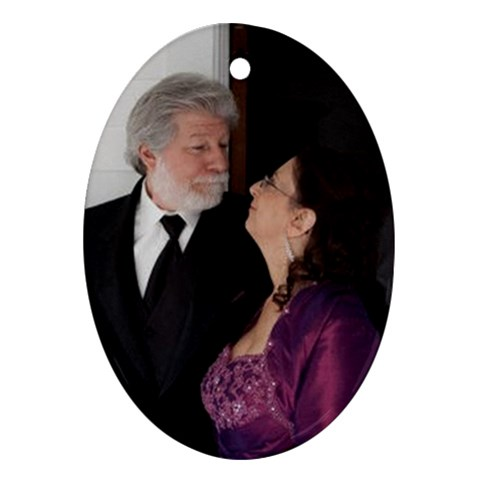 Bobby And Nancy By Kristin Neumann   Ornament (oval)   0lv5iljzvu6d   Www Artscow Com Front