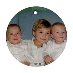 Cousins2010 By Emily Fowler   Round Ornament (two Sides)   V631dnqfwy84   Www Artscow Com Front