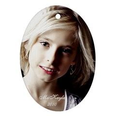 Makayla Ornament By Danielle Christiansen   Oval Ornament (two Sides)   9wnmxd1qrek1   Www Artscow Com Front