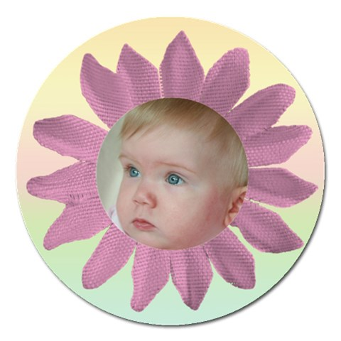 Cute As A Daisy 1 Magnet By Deborah   Magnet 5  (round)   Obf59eb3vup0   Www Artscow Com Front