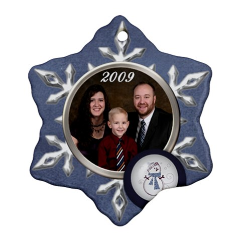 Family 2009 By Nicole Thompson   Ornament (snowflake)   5gevv4nej1yu   Www Artscow Com Front