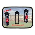 Well guarded - Netbook Case (Medium)