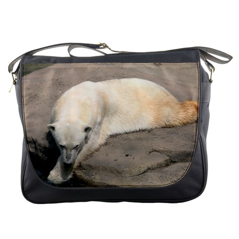 Messenger Bag   Polar Bear (2) By Jenessa   Messenger Bag   Jvbuf72s5wl5   Www Artscow Com Front